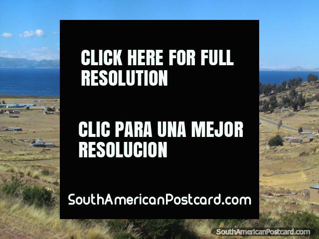 Lake Titicaca community between Zepita and Juli. (640x480px). Peru, South America.