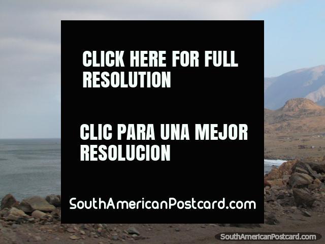 O belo litoral entre Atico e Nazca, ao norte de Camana. (640x480px). Peru, América do Sul.