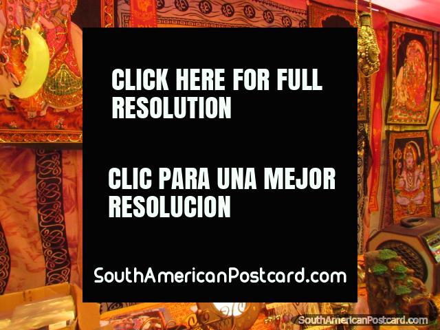 Desenhos coloridos assombrosos e obras de arte na feira de arte em Chimbote. (640x480px). Peru, América do Sul.