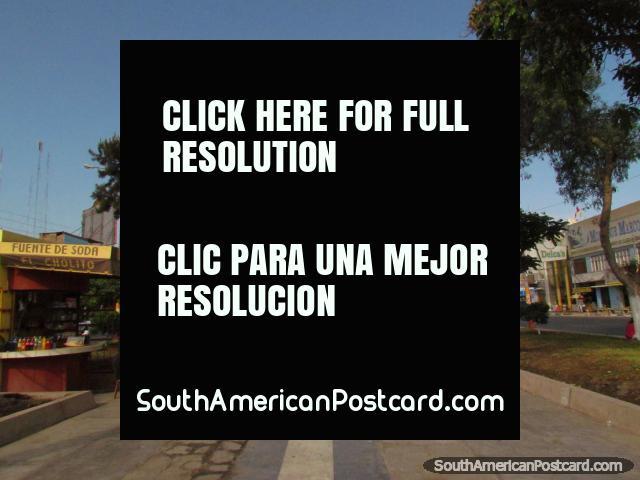 Visão de parte de Ilha Blanca Boulevard em Chimbote. (640x480px). Peru, América do Sul.