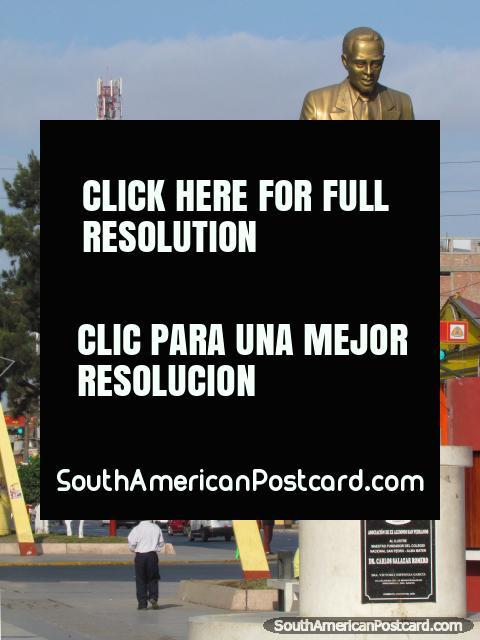 Writer Dr. Carlos Salazar Romero, statue in Chimbote. (480x640px). Peru, South America.