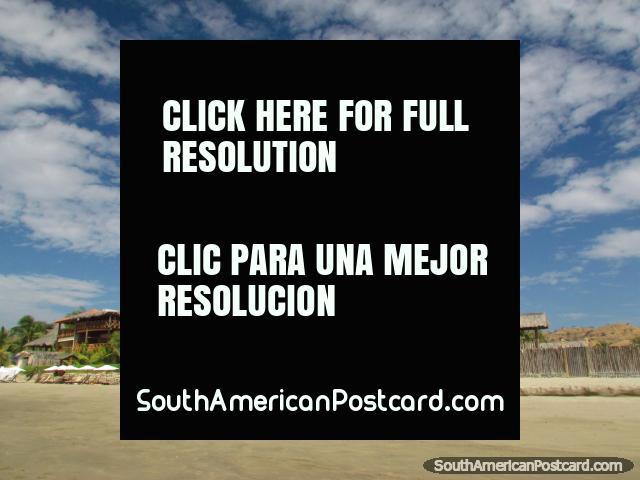 Nubes del algodón en playa de Mancora. (640x480px). Perú, Sudamerica.