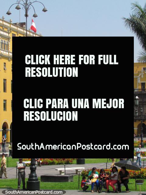 The Plaza de Armas with the Municipal Palace behind, Lima. (480x640px). Peru, South America.