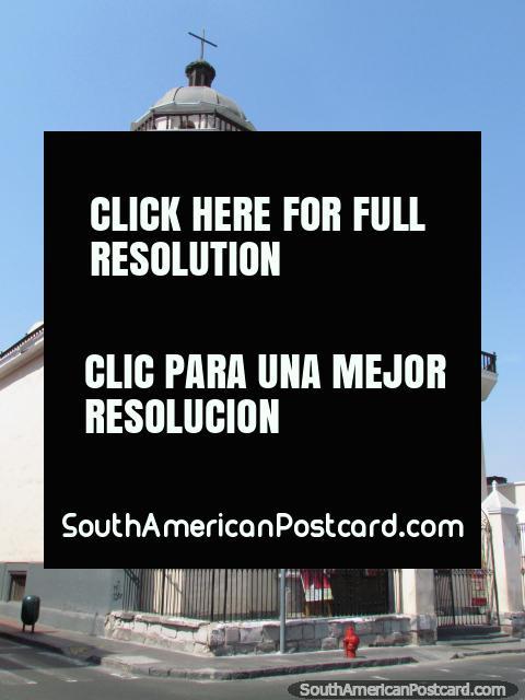 Igreja Parroquia Sagrado Corazon de Jesus - Los Huerfanos, Lima. (480x640px). Peru, América do Sul.