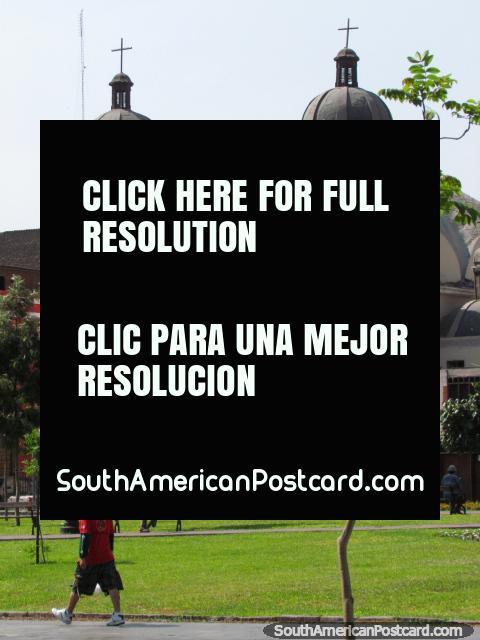 Church at University Park in Lima. (480x640px). Peru, South America.