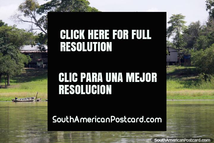 Grande lugar de ter uma casa e vivo em Pucallpa, em Lago Yarinacocha. (720x480px). Peru, América do Sul.
