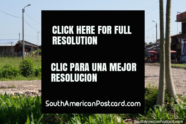The gravel roads of a neighborhood around Aguaytia, between Pucallpa and Tingo Maria. (720x480px). Peru, South America.