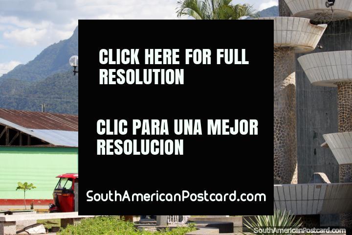 Do parque que respeita as montanhas verdes em Tingo Maria. (720x480px). Peru, América do Sul.