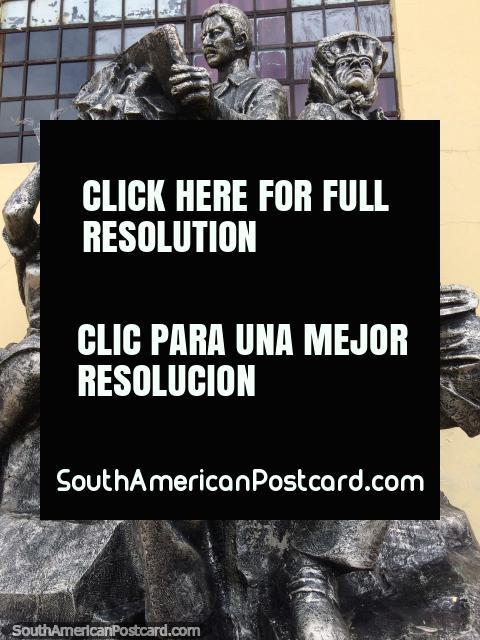 Músicos de figurando de trabalho de bronze perfeitos, aprenda a jogar na escola de belas artes em Puno. (480x640px). Peru, América do Sul.