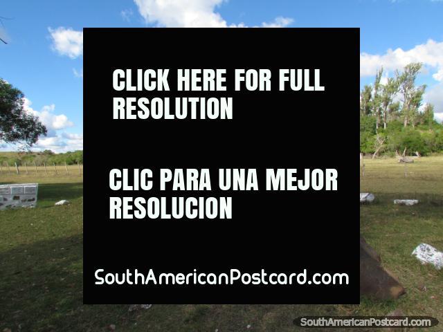 Sitio arqueológico Memorial del Motociclista en Valle del Edén, Tacuarembo. (640x480px). Uruguay, Sudamerica.