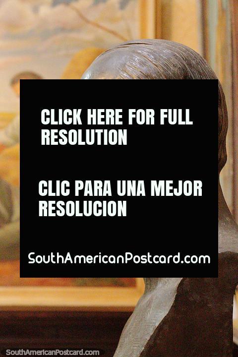 Cabeza de bronce en el museo de Salto - Museo de Bellas Artes y Artes Decorativas - Maria Irene Olarreaga Gallino. (480x720px). Uruguay, Sudamerica.
