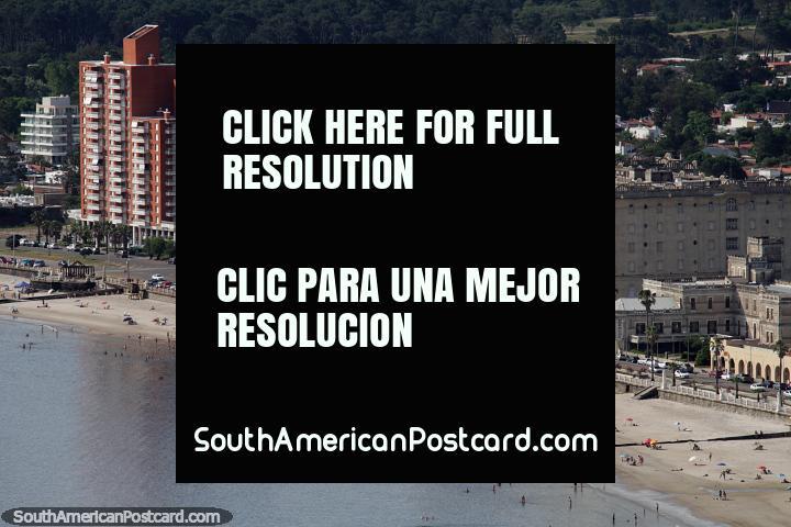 Argentino de hotel, 2o de esquerdo, Colonia Escolar de Vacaciones (1905) originalmente hotel Piriapolis, direito distante. (720x480px). Uruguai, América do Sul.