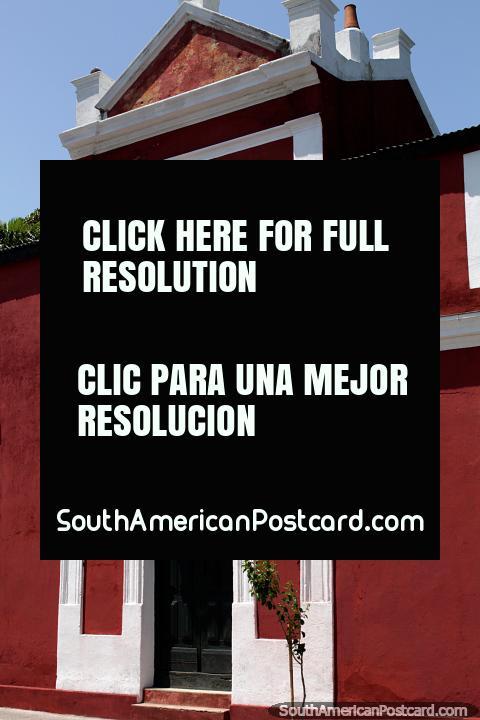 Museo de Arte Americano (1973) en Maldonado, abierto todos los días de 6 p.m. a 10 p.m. (480x720px). Uruguay, Sudamerica.