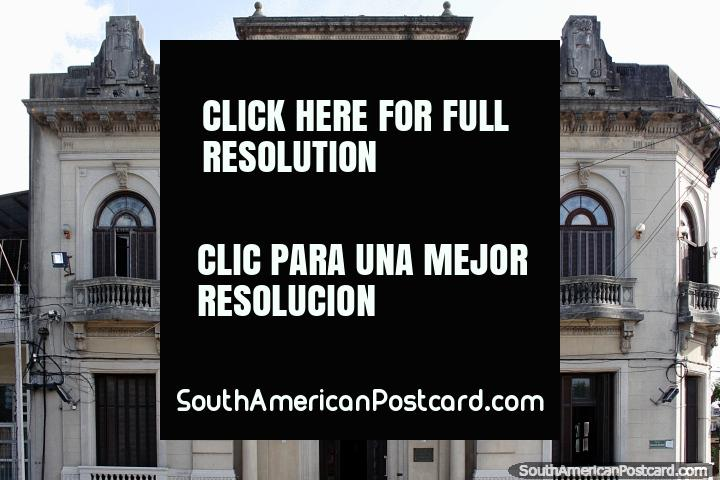 União de centro Obrero, o edifïcio histórico em Melo fundou em 1900. (720x480px). Uruguai, América do Sul.