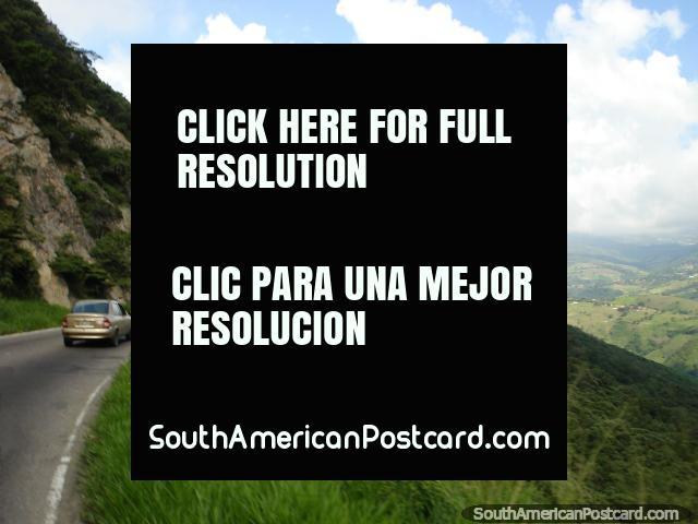 Dirigir-se nas colinas a caminho de San Cristóbal de San Antonio. (640x480px). Venezuela, América do Sul.