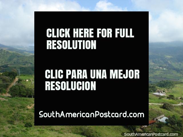 Tïtulo de zona rural verde para o leste fora de San Antonio. (640x480px). Venezuela, América do Sul.