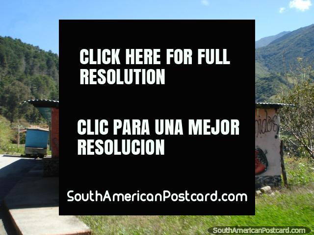 Morangos e loja de creme nas montanhas de Mérida. (640x480px). Venezuela, América do Sul.