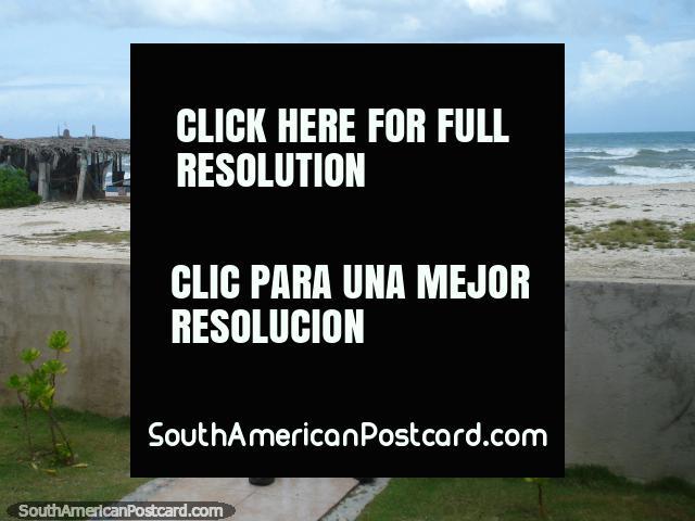 Um camafeu raro de mim tocando o meu violão em La Restinga, Ilha Margarita. (640x480px). Venezuela, América do Sul.