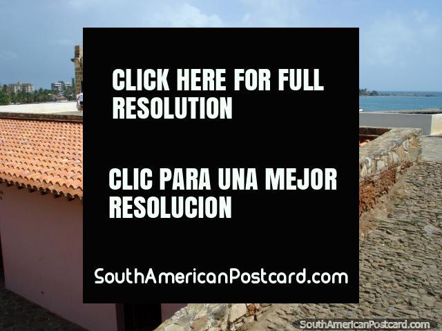 Visão do castelo a cidade em Pampatar, Ilha Margarita. (640x480px). Venezuela, América do Sul.