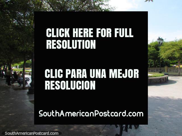 Praça pública do Rosario de Nuestra Senora de La Chiquinquira em Maracaibo. (640x480px). Venezuela, América do Sul.