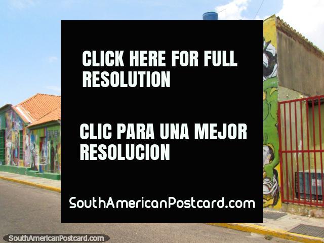 Una calle de pinturas murales fantásticas y colores en Maracaibo. (640x480px). Venezuela, Sudamerica.