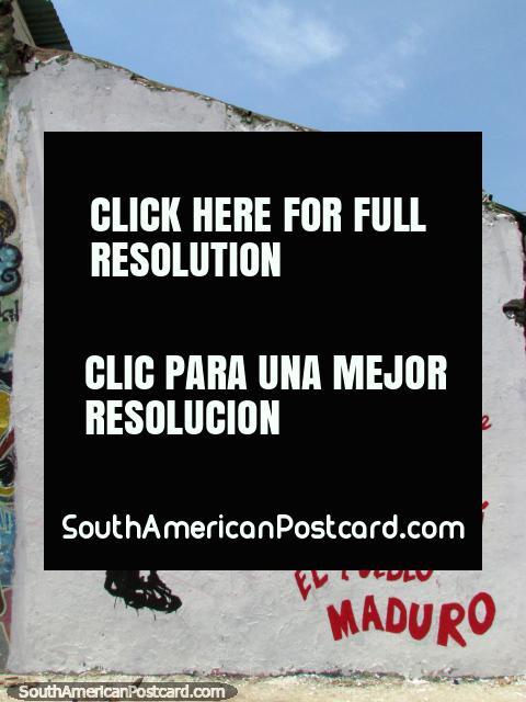 Mucho arte en paredes alrededor de Maracaibo con Chavez que apoya a Maduro. (480x640px). Venezuela, Sudamerica.