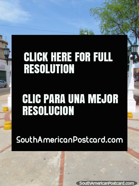 Praça Juan Crisostomo Falcon em Maracaibo. (480x640px). Venezuela, América do Sul.