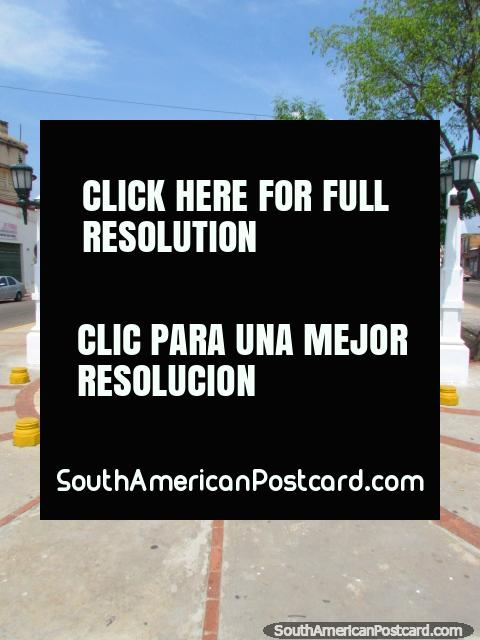 Plaza Juan Crisostomo Falcon en Maracaibo. (480x640px). Venezuela, Sudamerica.