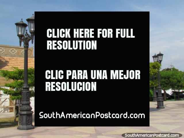 Boulevard Santa Lucia in Maracaibo. (640x480px). Venezuela, South America.