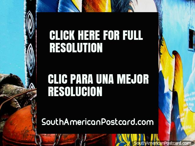 Simon Bolivar in front of flag wall mural in El Tintorero. (640x480px). Venezuela, South America.