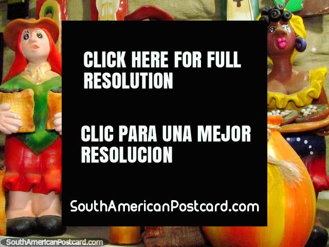 Colorful female figures for shelves in El Tintorero. (640x480px). Venezuela, South America.