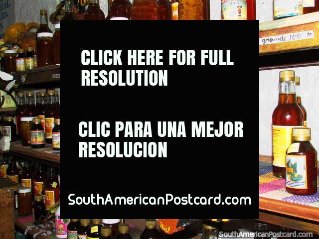 Mel e produtos de abelha da loja de abelha em El Tintorero. (640x480px). Venezuela, América do Sul.