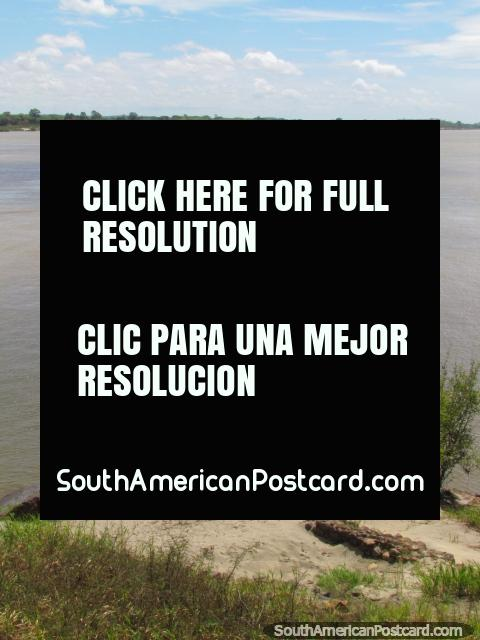 Excursions by boat on the Orinoco River in Ciudad Bolivar. (480x640px). Venezuela, South America.