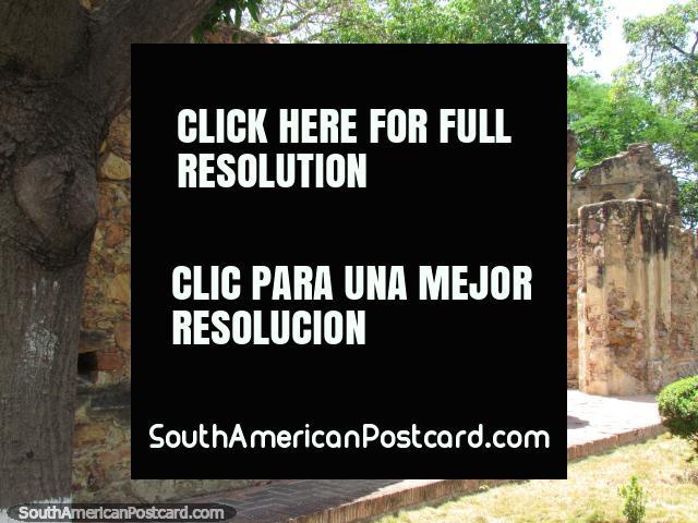 Ruins of Casa Fuerte destroyed in 1817 in Barcelona, originally the Convent of San Francisco. (640x480px). Venezuela, South America.