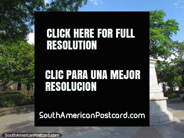 Attractive Plaza Boyaca and monument in Barcelona. (640x480px). Venezuela, South America.