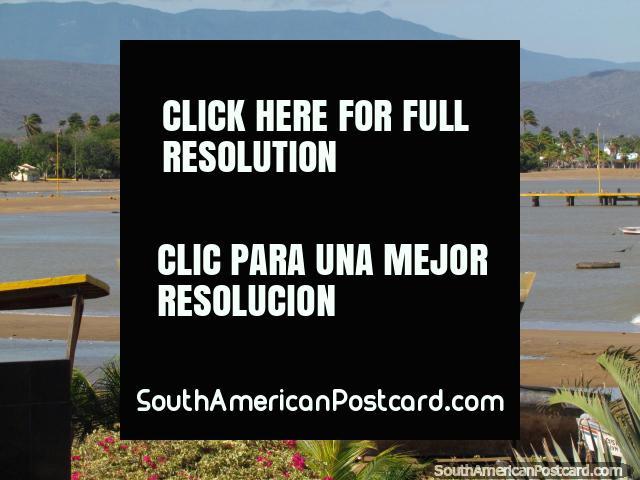 La Vela de Coro, a praia, mar e colinas. (640x480px). Venezuela, América do Sul.