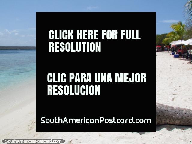 Las playas desiertas de arena blanca pura esperan en el Cajo Sombrero, Parque Nacional de Morrocoy. (640x480px). Venezuela, Sudamerica.