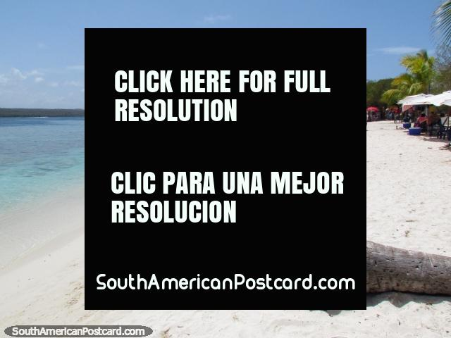 Deserted beaches of pure white sand awaits at Cajo Sombrero, Morrocoy National Park. (640x480px). Venezuela, South America.