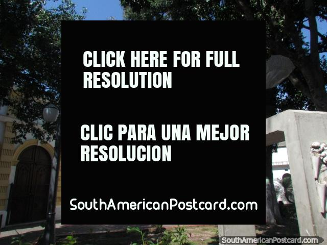 Plaza, church and bust in Barquisimeto near the markets. (640x480px). Venezuela, South America.