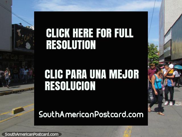 Streets for shopping around the markets in Barquisimeto. (640x480px). Venezuela, South America.