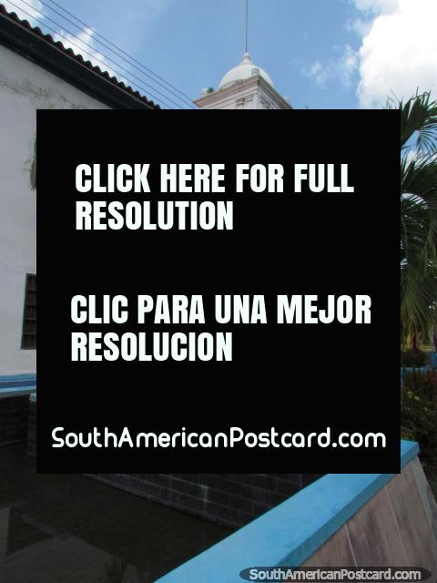 Casa da Cultura, a Casa Cultural em Barinas com jardins de flores. (480x640px). Venezuela, América do Sul.