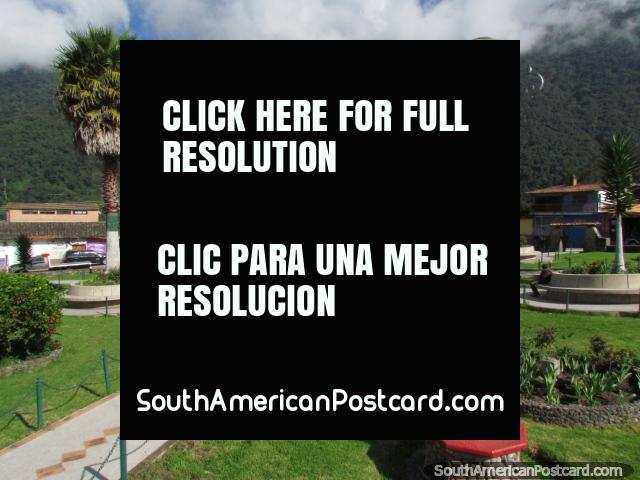 A praça pública atraente nas colinas em Santo Domingo. (640x480px). Venezuela, América do Sul.