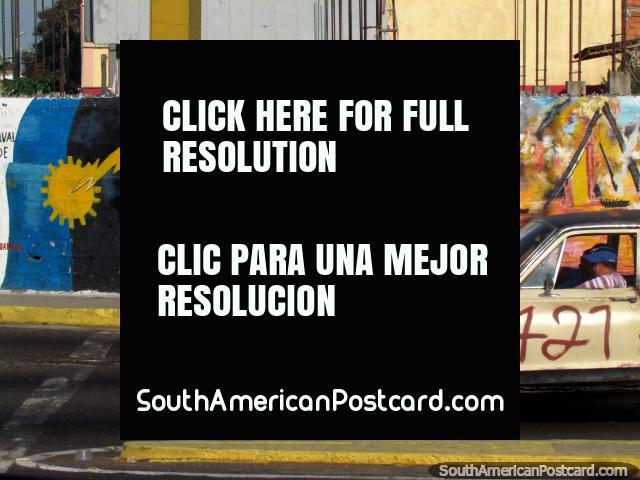 Simon Bolivar beside boats and the sea, mural in Maracaibo. (640x480px). Venezuela, South America.